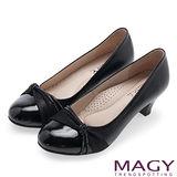 MAGY 美女系專屬 排鑽點綴柔軟雙材質真皮中跟鞋-黑色