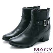 MAGY 紐約街頭時尚 個性騎士皮帶釦環粗跟短靴-黑色