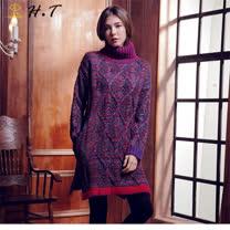 玄太-高領寬鬆麻花格紋雙口袋長版毛衣洋裝(魅力紅)