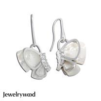 Jewelrywood 純銀蝴蝶飛舞珍珠母貝耳環