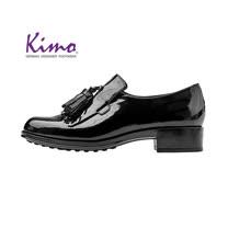 【Kimo 德國手工氣墊鞋】漆皮流蘇流線簡約設計牛津低跟休閒鞋(暗夜黑D5117WF012033)
