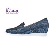 【Kimo 德國手工氣墊鞋】花紋設計舒適羊皮楔型內增高休閒鞋(夜湛藍D5117WF014016)