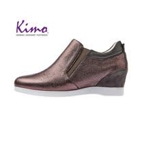 【Kimo 德國手工氣墊鞋】氣質珠光設計舒適牛皮楔型內增高休閒鞋(金屬灰D5117WF014022)