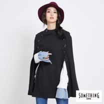 SOMETHING 排釦造型針織斗篷-女-黑色
