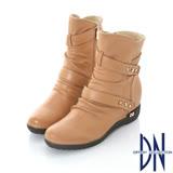 DN甜美個性  質感鉚釘皮帶內增高中筒靴    駝