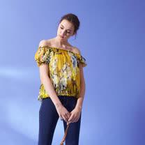ICHE 衣哲 時尚印花100%天然絲立體空氣感造型上衣(兩穿)-黃