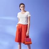 ICHE 衣哲 時尚亮色打摺俐落挺版膝上造型直筒寬馬褲-橘紅