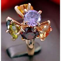 鑲嵌可搖動幻彩水晶戒指