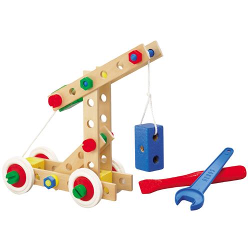 木头结构的组合积木,是最接近现实生活的构造形式
