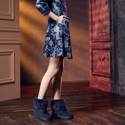Keeley Ann異國戀冬-流蘇吊飾毛絨麂皮質感雪靴(藍色677157260-Ann系列)