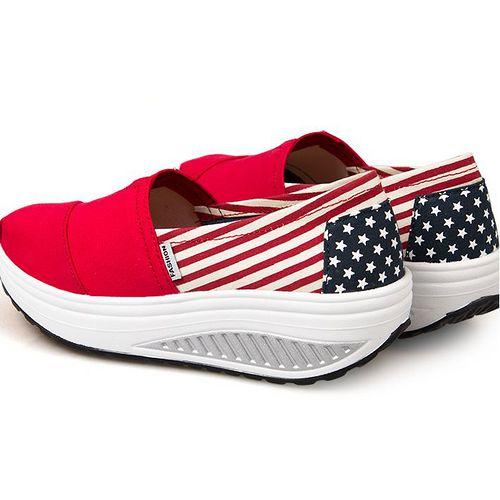 【Maya easy現貨35/37/38/40號】美國色 運動款 布鞋系 心機鞋 厚底鞋 休閒搖擺鞋(鞋跟5cm高)