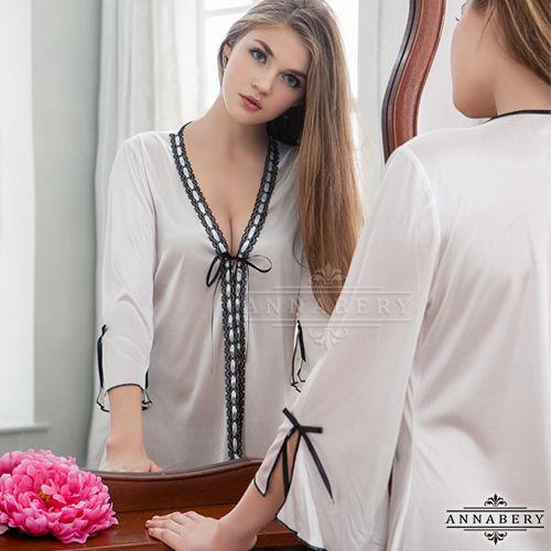 大尺碼Annabery緞帶飾邊奶白柔緞二件式罩衫丁褲組