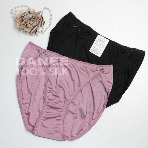 【岱妮蠶絲】DA0119G純蠶絲42針90G拼接低腰高衩內褲 (黑色)