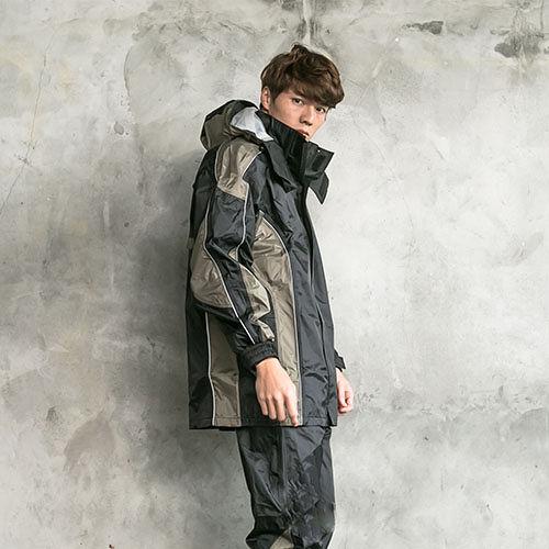 OutPerform-戰神Mars兩件式風雨衣-黑/卡其灰