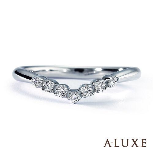 A-LUXE 亞立詩鑽石 18K金 總重0.15克拉 V型時尚流線 美鑽女戒
