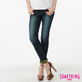 SOMETHING 閃色圓織窄直筒牛仔褲-女-酵洗藍