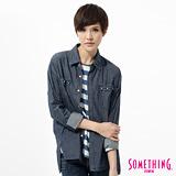 SOMETHING 休閒圖騰牛仔襯衫-女-原藍色