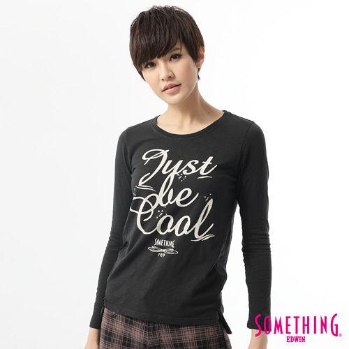 SOMETHING 休閒字體時尚T恤-女-黑色