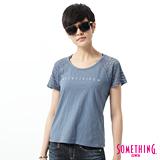 SOMETHING 蕾絲剪接LOGO短袖T恤-女-藍色