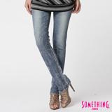 SOMETHING MEIDUSA 雪晶窄直筒牛仔褲-女-漂淺藍