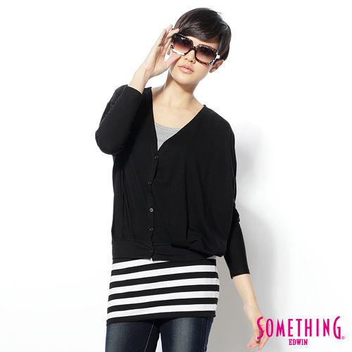 SOMETHING 自然柔美 兩件式剪接薄長T恤-女款(黑色)