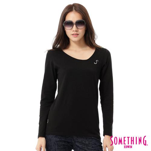 SOMETHING 斜V領燙鑽T恤-女-黑色