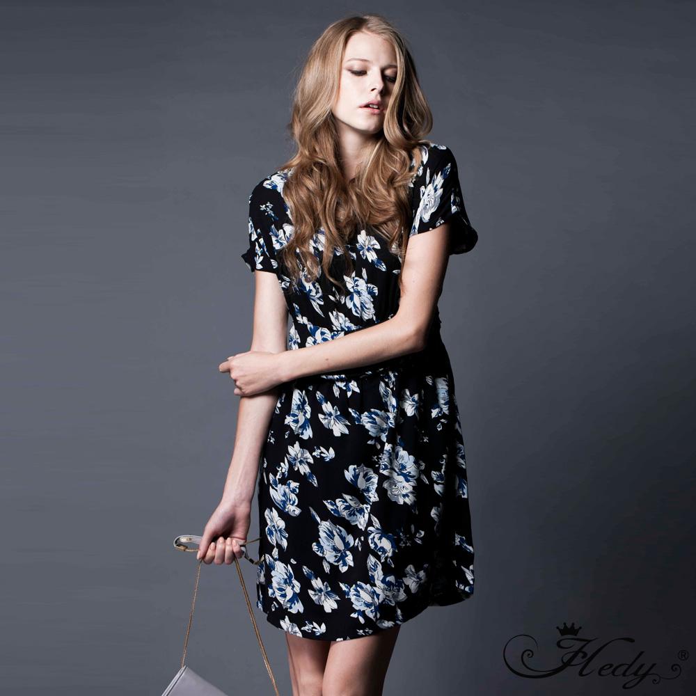 【Hedy赫蒂】圓領珍珠後釦腰帶寬鬆洋裝(共二色)