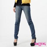 SOMETHING VIENUS低腰窄直筒牛仔褲-女-拔洗藍