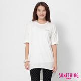 SOMETHING 寬鬆長版七分袖T恤-女-白色
