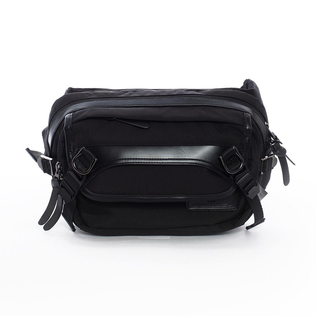 AIRWALK - 黑金系列 質感高強度布料側背包 - 黑