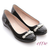 【effie】俏甜女伶 鏡面羊皮立體穿帶平底鞋(黑)