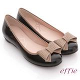 【effie】俏甜女伶 鏡面羊皮立體蝴蝶平底鞋(黑)