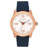 NIXON G.I NYLON 曠野風潮時尚運動腕錶-玫瑰金框藍-小-帆布+真皮帶