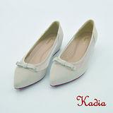 Kadia.氣質蝴蝶結尖頭低跟鞋(米白色)