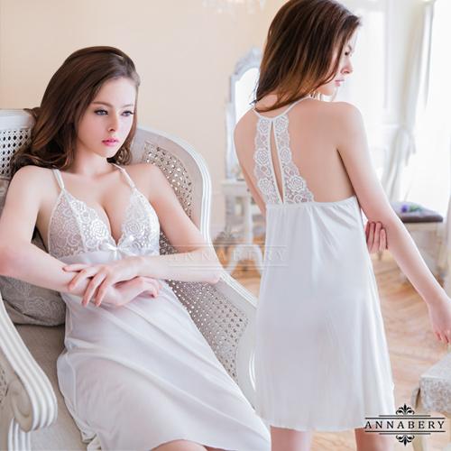 大尺碼Annabery純白美背柔緞睡衣