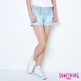 SOMETHING 條紋雙排釦牛仔短褲-女-重漂藍