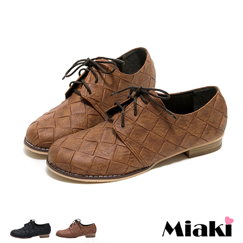 【Miaki】MIT 休閒鞋英倫復刻菱格皮質低跟包鞋 (咖啡色 / 黑色)