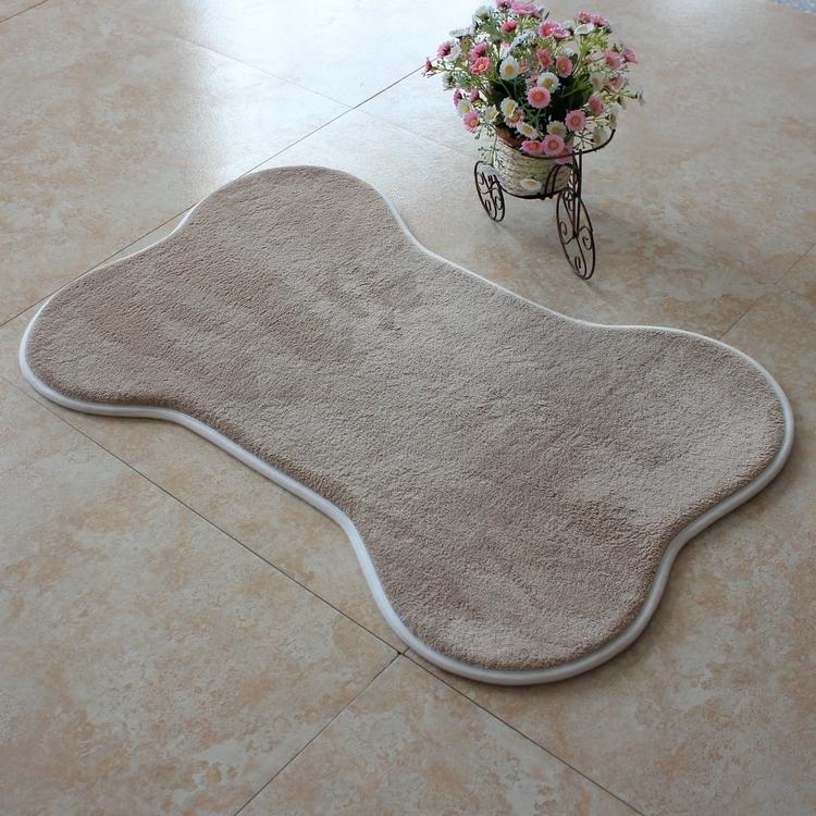 【旺寶】超強回彈優質珊瑚絨厚實狗骨頭造型地墊地毯腳踏墊(卡其色)