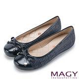 MAGY 清新氣質系女孩 蝴蝶結菱格縫線娃娃鞋-混色藍
