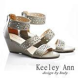 Keeley Ann 春天氣象-微鏤空幾何後拉鍊涼鞋(灰色533158180)