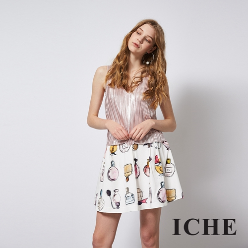 ICHE 衣哲 滿版特色印花造型圓短裙
