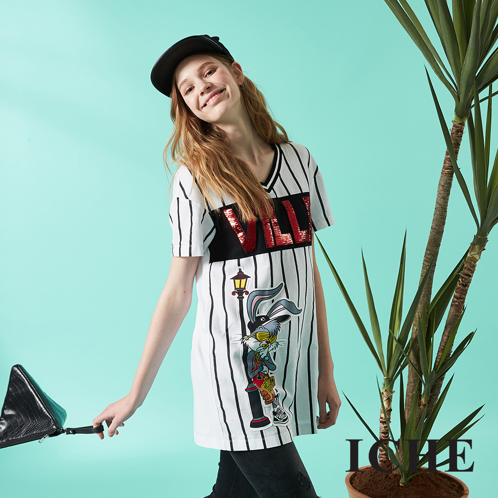ICHE 衣哲 時尚卡通字母印花長版造型T恤上衣 兩色