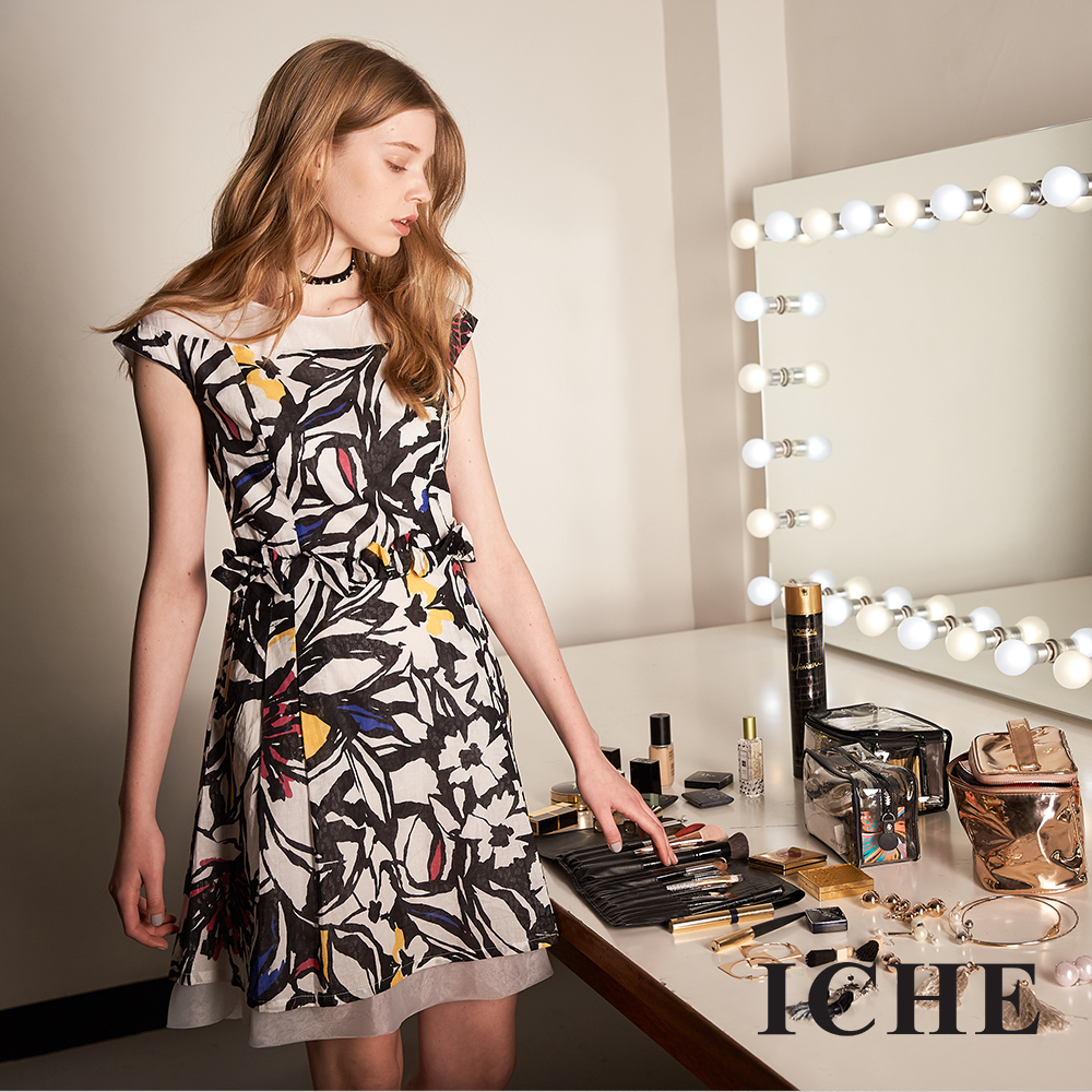 ICHE 衣哲 時尚印花平肩拼接造型禮服洋裝