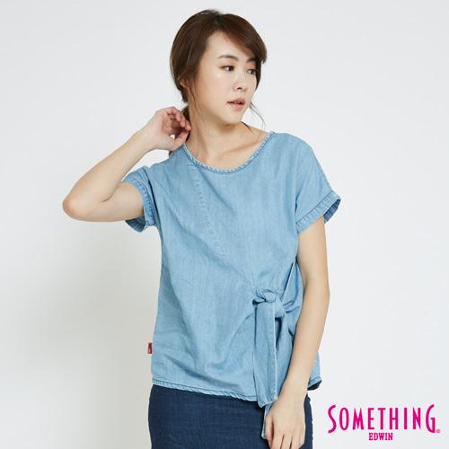SOMETHING 休閒造型綁結圓領T恤-女-漂淺藍