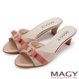 MAGY 時尚優雅名媛 C字鑽飾真皮中跟涼拖鞋-粉紅