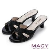 MAGY 時尚優雅名媛 氣質亮麗燙鑽中跟涼拖鞋-黑色
