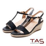 TAS 蛇紋T字繫帶麻繩楔型涼鞋-深邃黑
