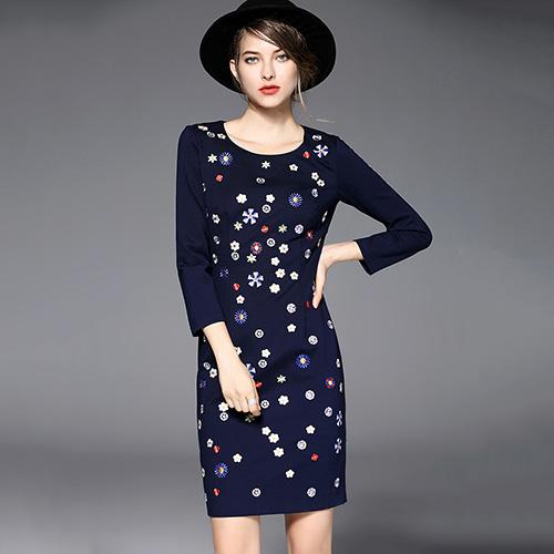 【Jisen】溫馨浪漫繡花修身洋裝