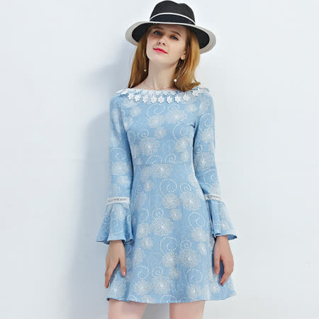 【KVOLL】花邊領喇叭袖A字連衣裙 -friDay購物