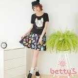 betty's貝蒂思 香水設計印花緞面短裙(黑色)